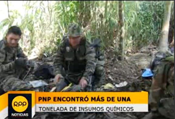 Durante el operativo de interdicción de tráfico ilícito de drogas se halló más de una tonelada de insumos químicos. Créditos: RPP/Elias Taboada. Fuente: RPP.